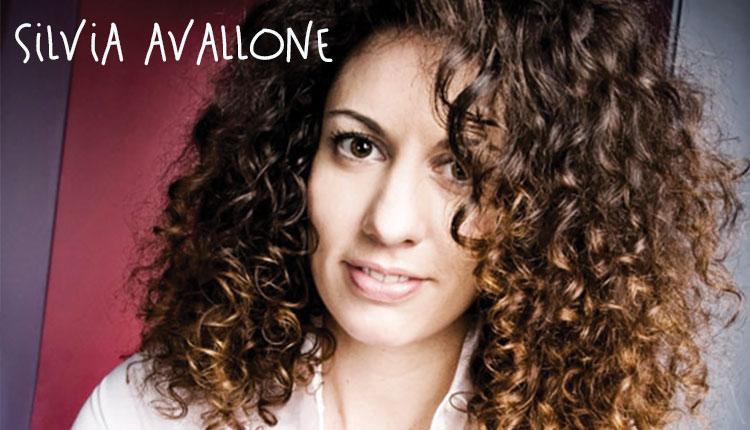Silvia Avallone, mamma a caccia di storie