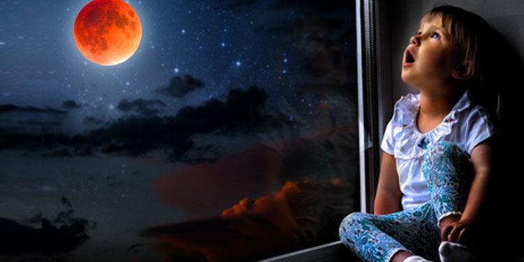 Col naso all'insù per 103 minuti… Beppefotino e la luna rossa